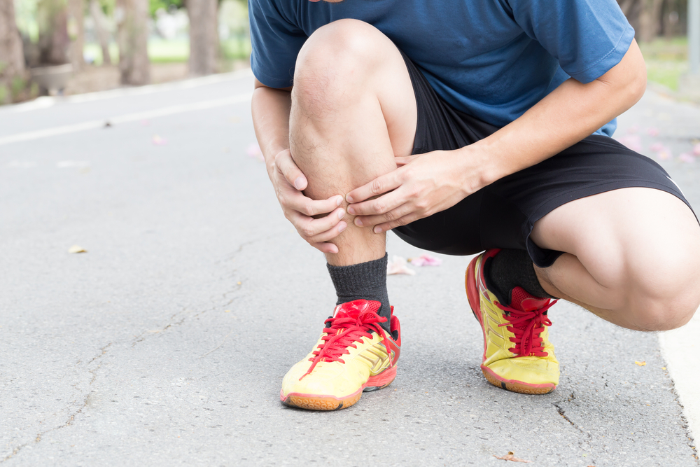 timeless design 424a5 b555e How to Get Rid of Shin Splints - Chicago Athlete Magazine