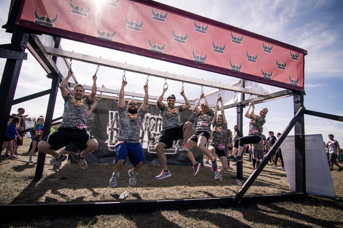 warrior dash, warrior dash illinois, obstacle course, mud run, ocr, red frog, red frog events, rings, camo, happy, fitness
